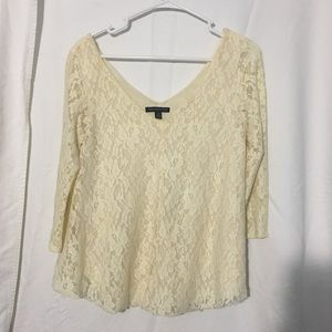 AMERICAN EAGLE Lace Top with Quarter Sleeves